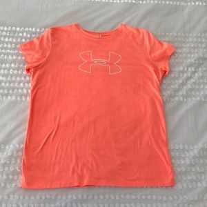 Under Armor ladies coral T-shirt LG workout